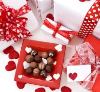 Why Should You Prefer Online Valentine Gifts
